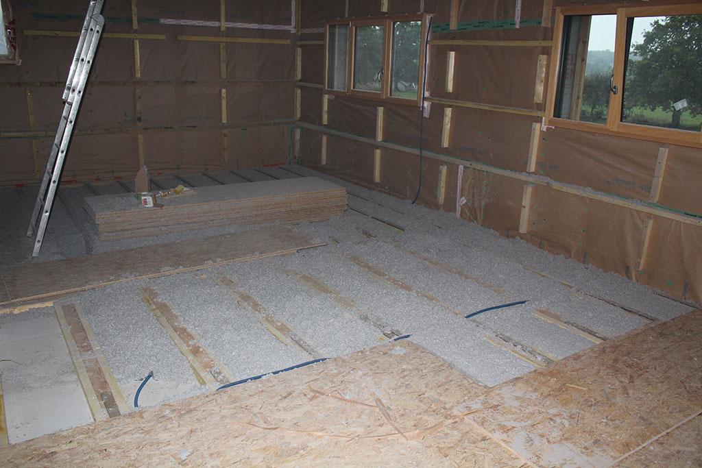isolation sol. Black Bedroom Furniture Sets. Home Design Ideas